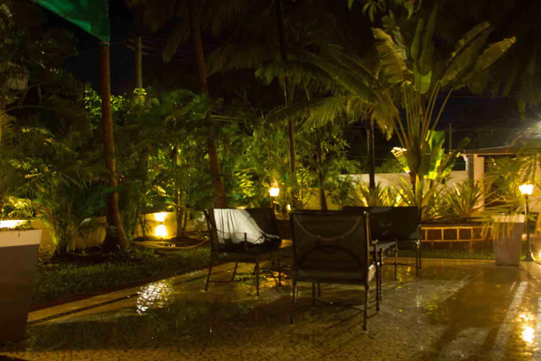 Outdoor-Seating-Casa